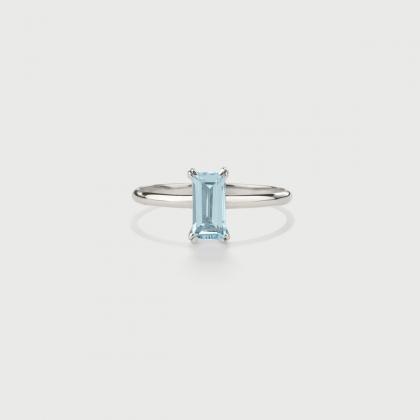 Sky Blue Topaz Ring in 14K White Gold-AlmaDiPietra