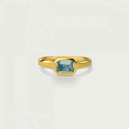Rectangular Cushion Aquamarine Ring in 18K Yellow Gold-AlmaDiPietra
