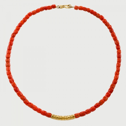 Coral Fleur De Lis Adornment Necklace​ in 18K Yellow Gold-AlmaDiPietra