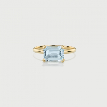Natural Aquamarine Ring in 14K Yellow Gold-AlmaDiPietra