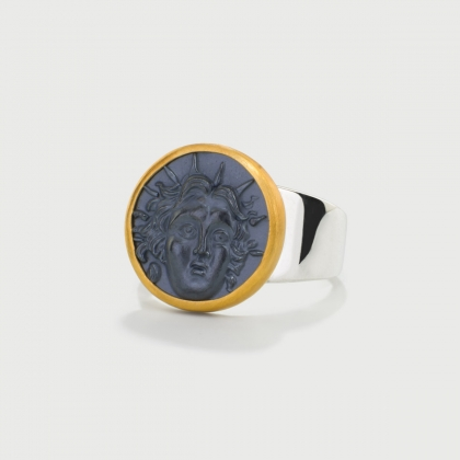 Ancient Greek depiction carved on Hematite, 22K Gold and Silver 925 Ring-AlmaDiPietraAncient Greek depiction carved on Hematite, 22K Gold and Silver 925 Ring