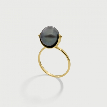 Black iridescent Pearl ring in 14K Yellow Gold-AlmadiPietra
