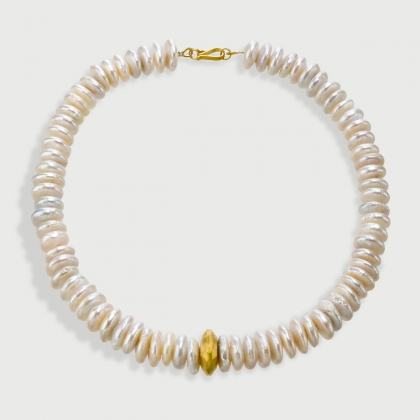 Timeless Pearls Statement Necklace​ with Element in 18K Yellow Gold-AlmaDiPietra
