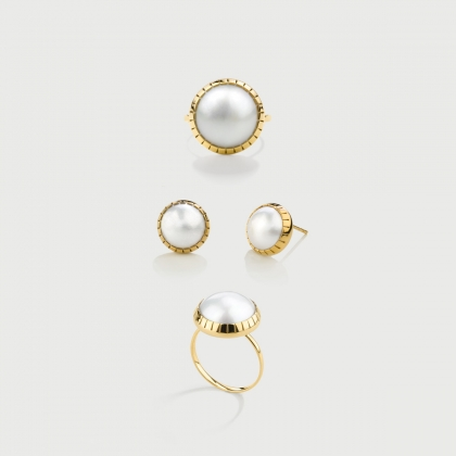 White Mabé Pearl set of  Ring and Stud Earrings in 14K Gold-AlmadiPietra