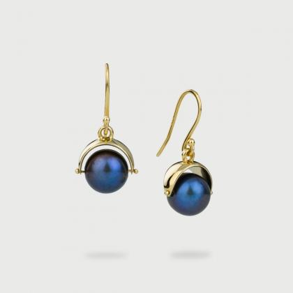 Black iridescent Pearl pair of earrings in 14K Yellow Gold, Gold Drop Earrings-AlmadiPietra