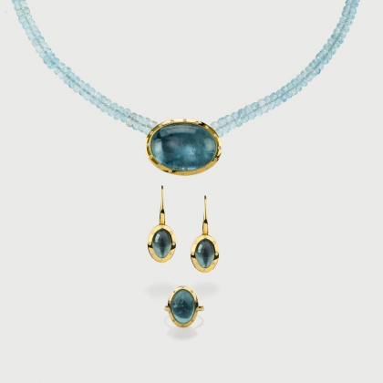 Cabochon Aquamarine and Diamonds Set in 18K Yellow Gold-AlmadiPietra