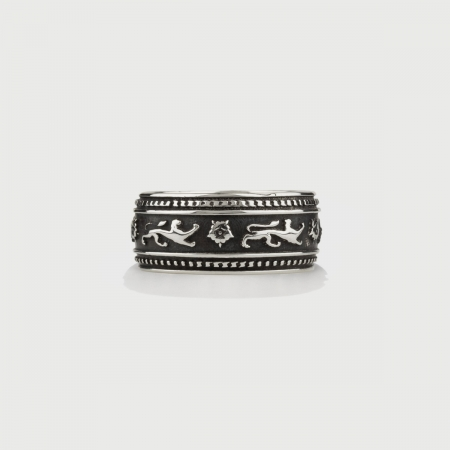 ​Silver Band Ring for Him or Her, Lion Patterned Band-AlmaDiPietra
