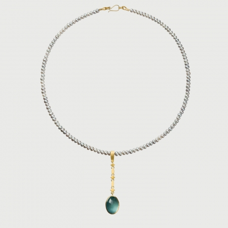Pearls Necklace with Aquamarine Cabochon in 18K Yellow Gold Pendant-AlmaDiPietra